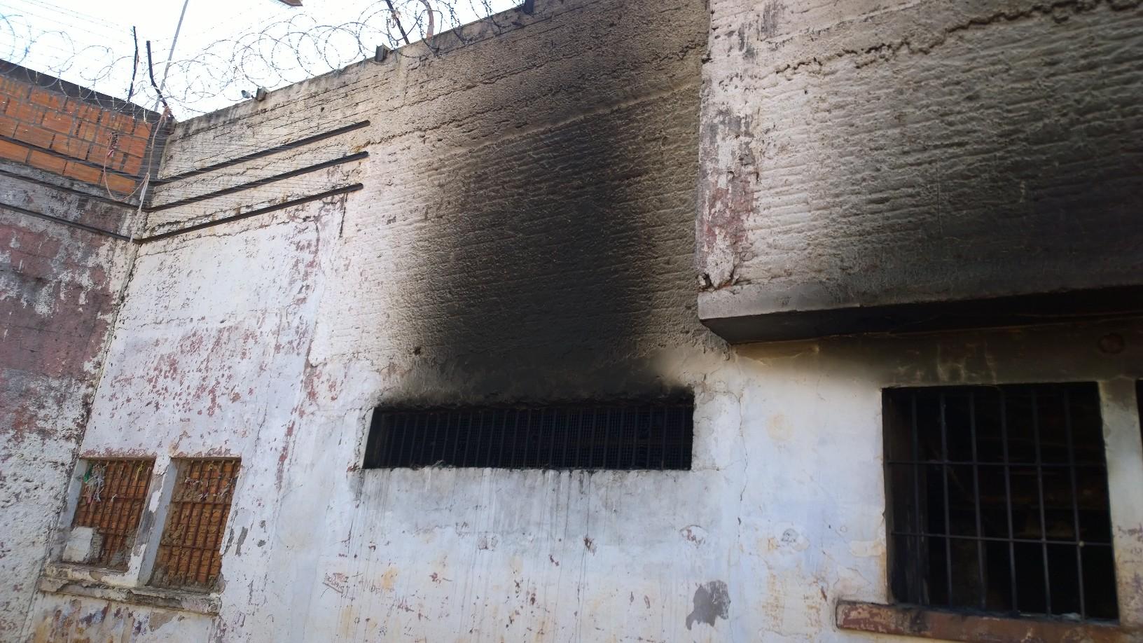 Defesa Civil de Erechim faz vistoria no presidio de Erechim após incêndio na ala do semi aberto